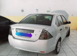 Fiesta Sedan 1.6- Prata 2010/2011-completo,bem conservado, todo em dia-Motor Zetec rocam