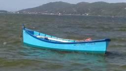 VENDO lindo bote de madeira
