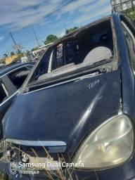 Capô Mercedes classe A160