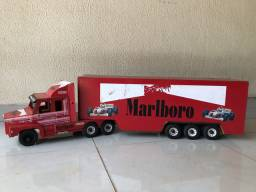 Caminhão Scania Reliquia brinquedo