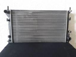 Radiador de água Ford Focus 2001 a 2008 modelo com ar condicionado.