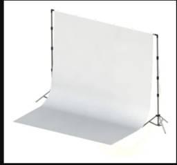 Fundo Fotográfico com Tecido 3x3 Branco + Suporte 3x3 + Presilhas.