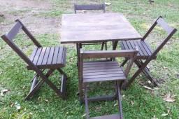Título do anúncio: Conjunto 4 Cadeiras e 1 Mesa Dobrável De Madeira 70 x 70