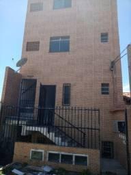 Itapuã prédio com 4 apartamentos