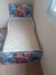 Vendo uma cama infantil novinha nunca usada