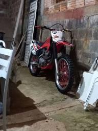 CRF230 muito boa troco por moto de rua em dia