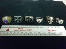 Anéis em metal variados estilos