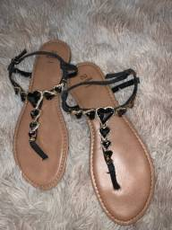 Sandália de pedraria