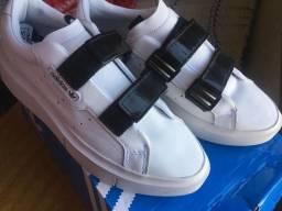 Tênis Adidas Sleek Super