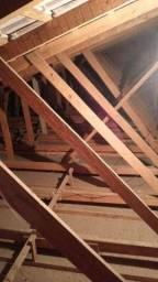 Vendo casa toda de cedro madeira de lei