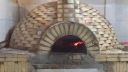 Restaurante e pizzaria, entrada 100mil mais parcelas ler anúncio