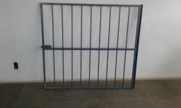 Porta portão e janela