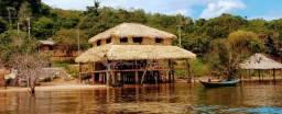 Casa, pousada ou bar/ restaurante na praia? Pode ser tudo junto
