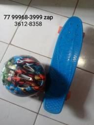 Skate e capacete infantil
