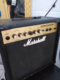 Cubo Marshall para guitarra marcas de uso mas funcionando perfeitamente