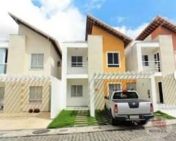 Casa com 2 pavimentos em condomínio no bairro Sobradinho