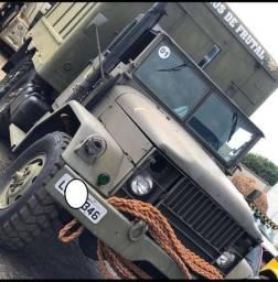 Caminhão militar americano restaurado marca Reo