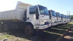 Caminhão caçamba Ford Cargo 2628 6x4 basculante