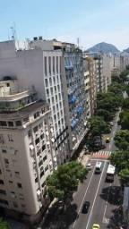 Alugo vaga para moça em Copacabana