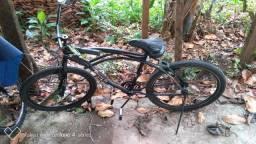 Bicicleta seminova. Pegar e andar.