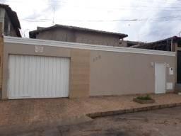 Vende-se casa no bairro Amazonas