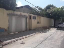 Alugo casa no Papicu para fins comerciais
