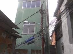 Casa com 3 pisos no Pau Miúdo