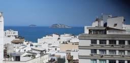 Título do anúncio: Residencial com serviços, próximo a Praia do Leblon, andar alto, vista mar, reformado.