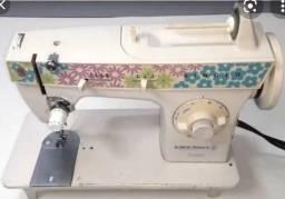 Máquina de Costura Singer Facilita Bobina mágica 270