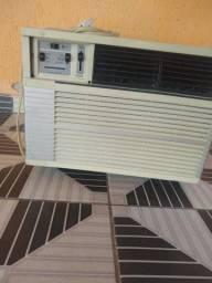 Ar condicionado 9.000 BTUs, 127 v.