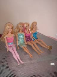 Barbies originais semi novas R$50,00 as quatro Barbies