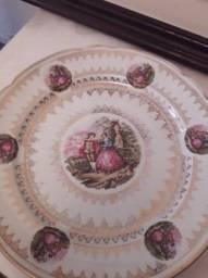 Prato de porcelana pintada antigo 30 cm