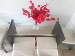 Mesa de vidro com 6 cadeiras ( BARATA )