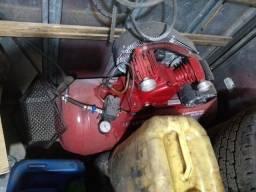 Vendo compressor 10 pés revisado pega e trabalha