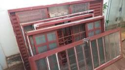 Título do anúncio: Vendo 4 janelas e 1 porta