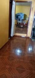 Casa com sala de jantar sala quartos banheiros
