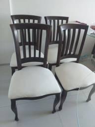 Cadeiras de Madeira maciça semi novas!!
