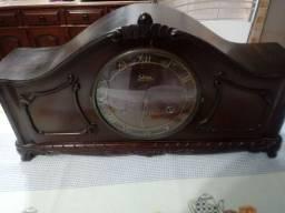 Relógio - Falta um ponteiro.