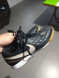 Chuteira Nike tiempo 10R