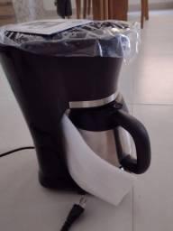 Título do anúncio: Cafeteira elétrica e um depurador de ar
