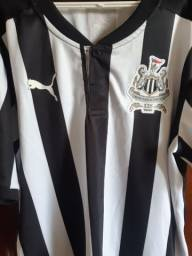 Camisa Newcastle. Tamanho M