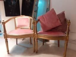 Duas poltronas antigas rosa antigo e dourado