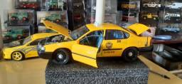 Título do anúncio: Miniatura impala taxi