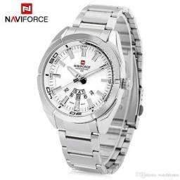b6c0a4160b4 Relógio de Quartzo NaviForce NF9038M Masculino