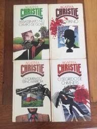 4 livros Agatha Christie.