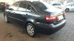 Vendo VW POLO Sedan 2005/Flex e Gás - - 2005
