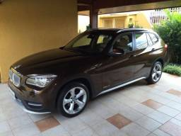 BMW X1 sDrive 2.0 Active Flex Turbo x-Line (Teto solar e GPS) - 2015
