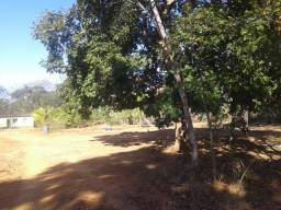 Terreno com casa na região de corinto