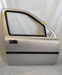 Título do anúncio: Porta Land Rover Freelander 1 2004/2006 Dianteira Lado Direito