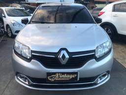 Renault Logan Exclusive 1.6 2015 + GNV Tel *